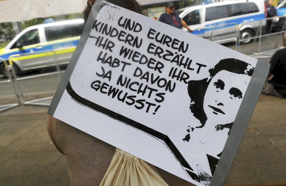 Anna Franková zůstává symbolem boje proti extrémní pravici.