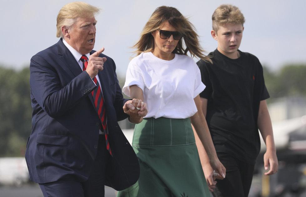 Prezident USA Donald Trump s manželkou Melanií a synem Barronem