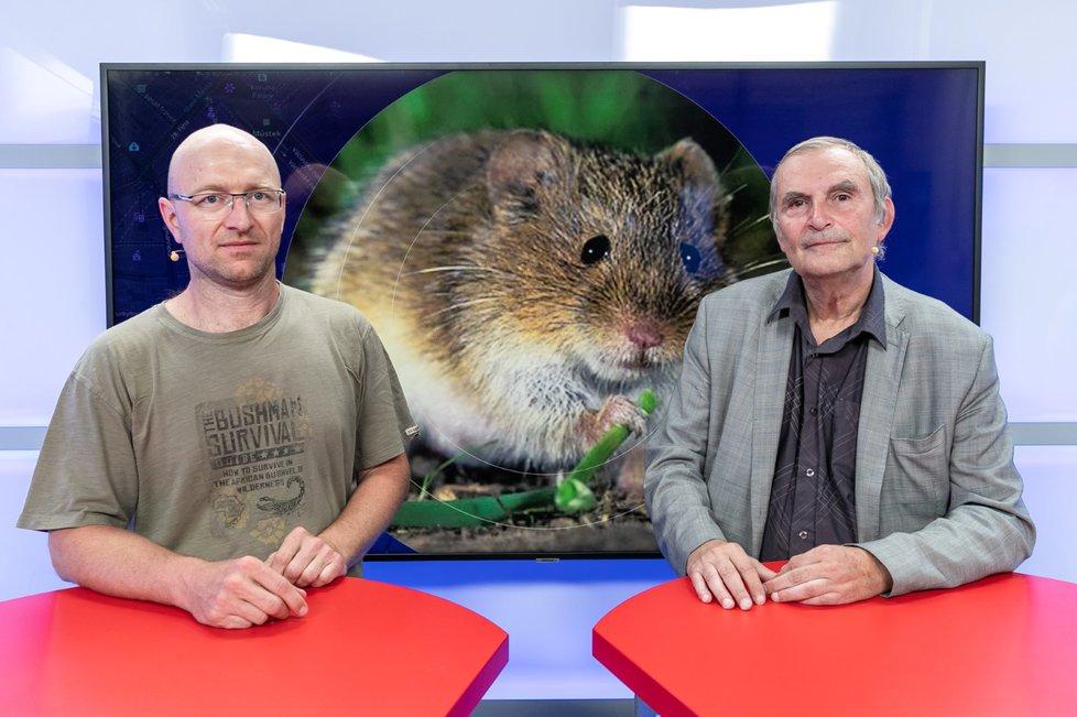 Ornitolog Václav Zámečník (vlevo) a agrární analytik Petr Havel byli hosty pořadu Epicentrum dne 20. 8. 2019.