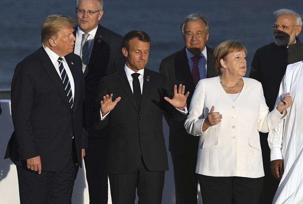 Summit G7 projednával obchodní války i krizi kolem Íránu: Americký prezident Donald Trump, francouzský prezident Emmanuel Macron a německá kancléřka Angela Merkelová (26. 8. 2019)