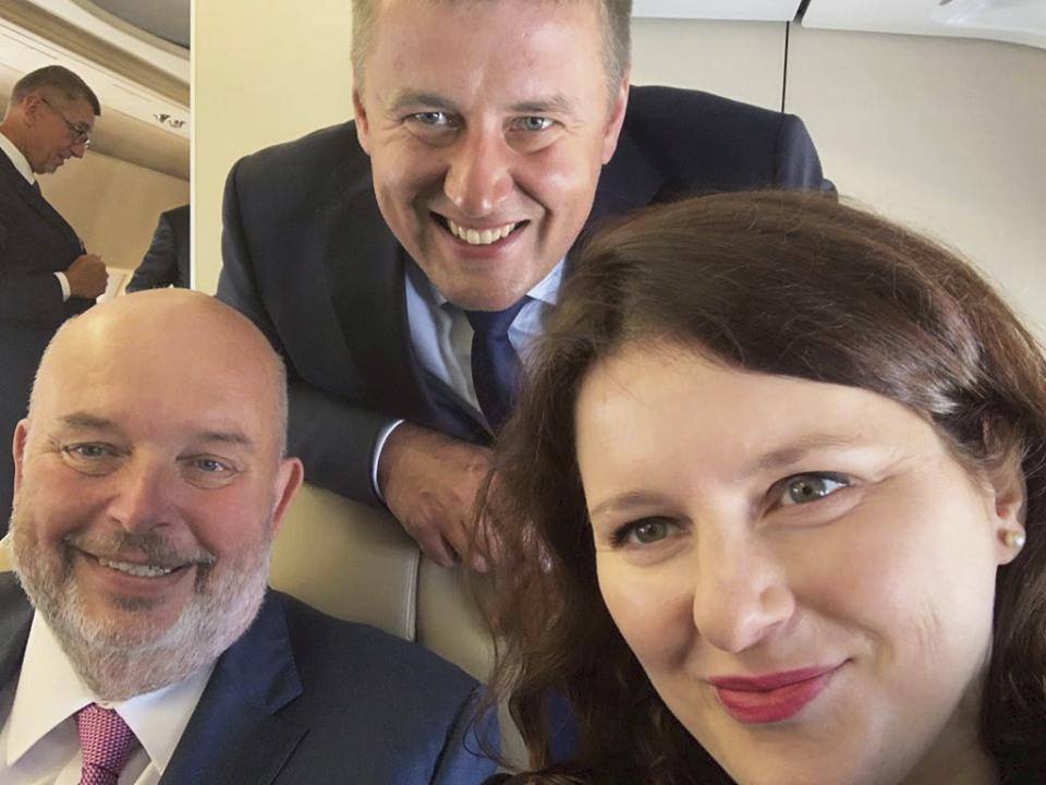 Selfie vládních kolegů: Ministři Toman, Petříček a Maláčová (ČSSD)