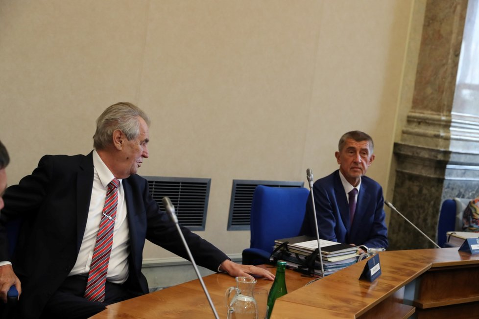 Prezident Miloš Zeman s premiérem Andrejem Babišem (ANO) na jednání vlády. (16.9.2019)
