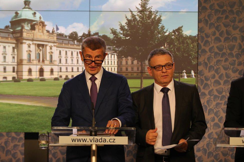 Premiér Andrej Babiš a ministr kultury Lubomír Zaorálek (ČSSD)