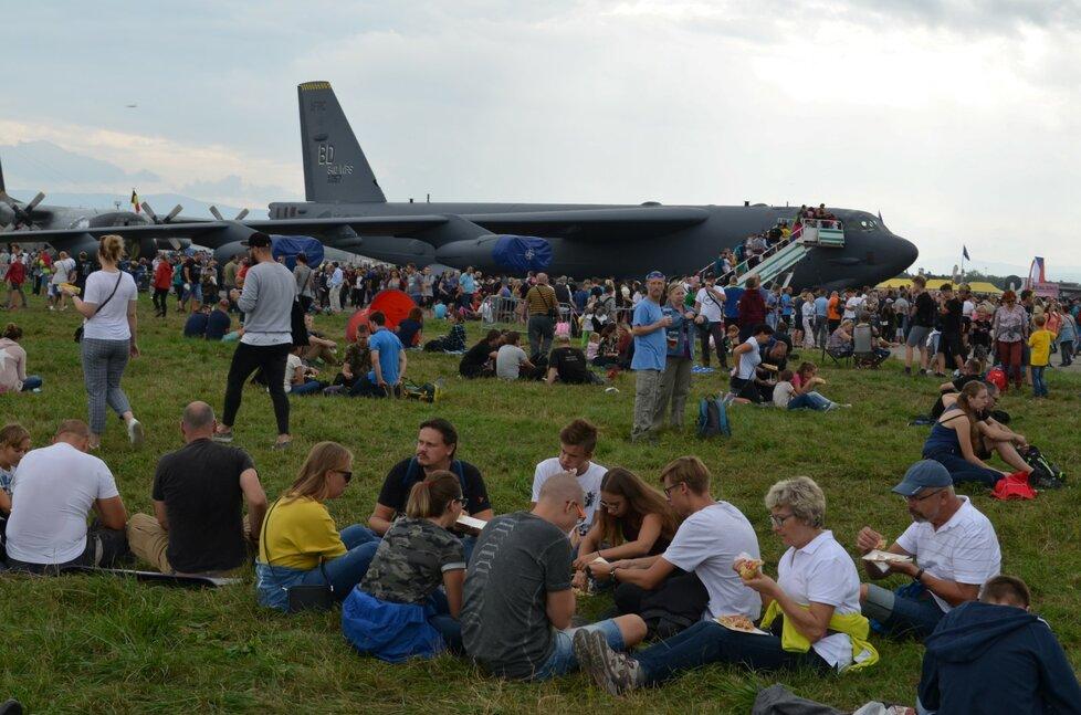 Dny NATO každoročně lákají davy návštěvníků. Letos se odehrají bez diváků.