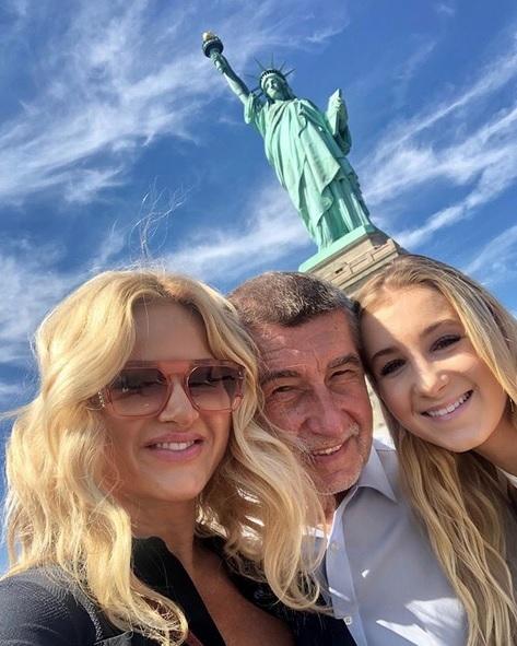 Babišovi před Sochou svobody. Premiérova žena Monika Babišová se na instagramu pochlubila fotkami z USA