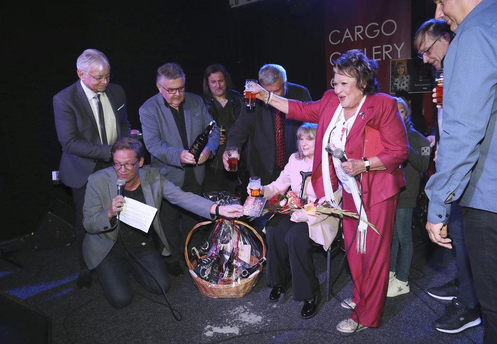 Eva Pilarová slavila 80 a křtila nové CD