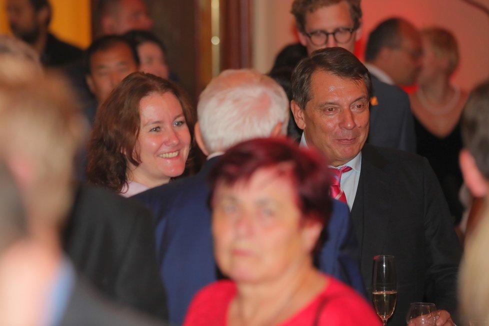 Expremiér za ČSSD Jiří Paroubek na recepci pořádané čínskou ambasádou v pražském paláci Žofín (25. 9. 2019)