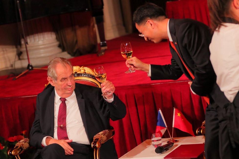Prezident Miloš Zeman na recepci čínské ambasády na pražském Žofíně.