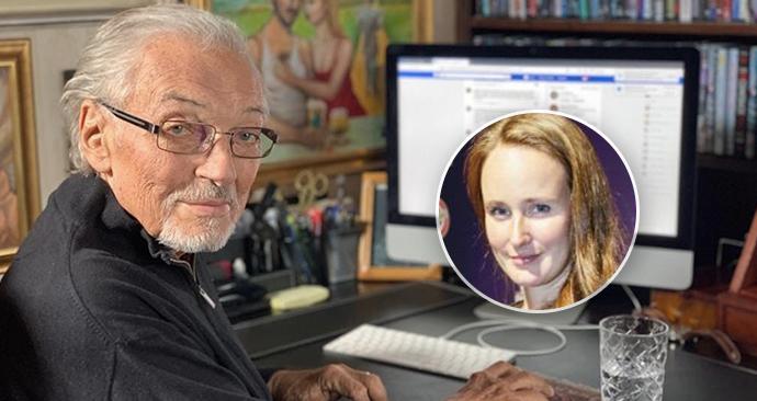 Olga Špátová ještě před 14 dny natáčela s Karlem Gottem. Mimo jiné i ve chvíli vzniku fotky u počítače.