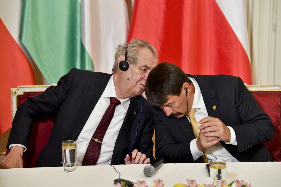 Summit V4 v Lánech: Zeman a maďarský prezident János Áder