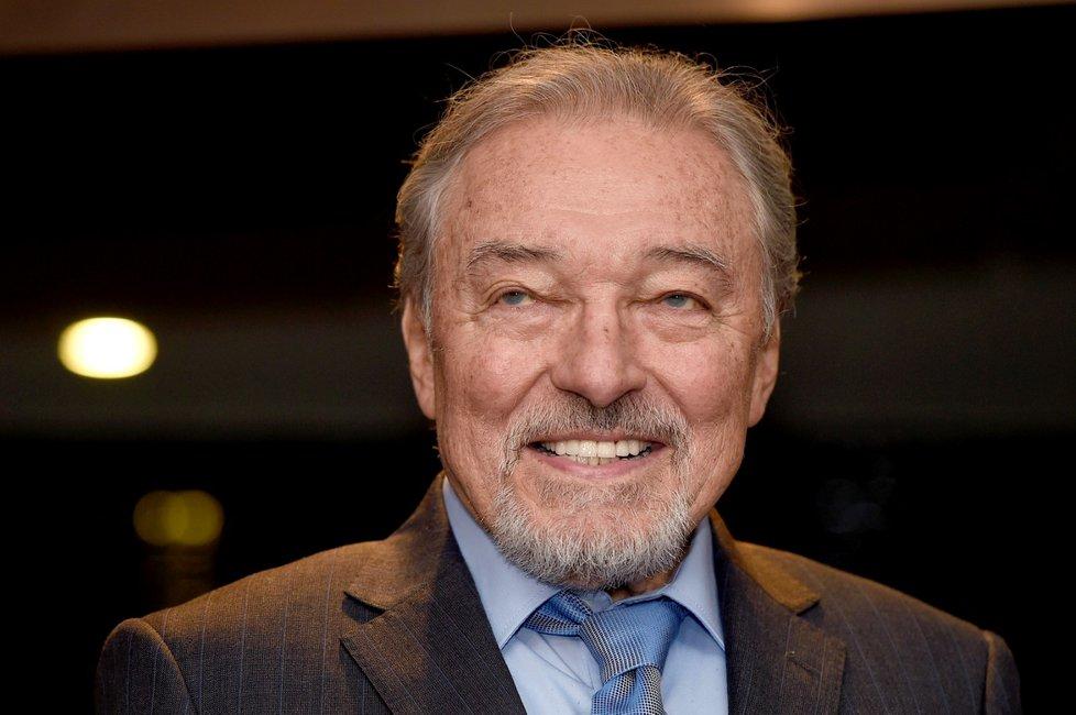 Ve věku 80 let zemřel 1. října 2019 krátce před půlnocí zpěvák Karel Gott