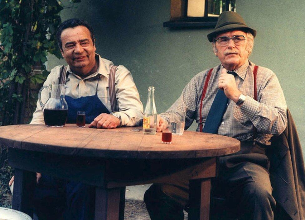 Mladé víno z roku 1986 o lásce k červeným i bílým hroznům.