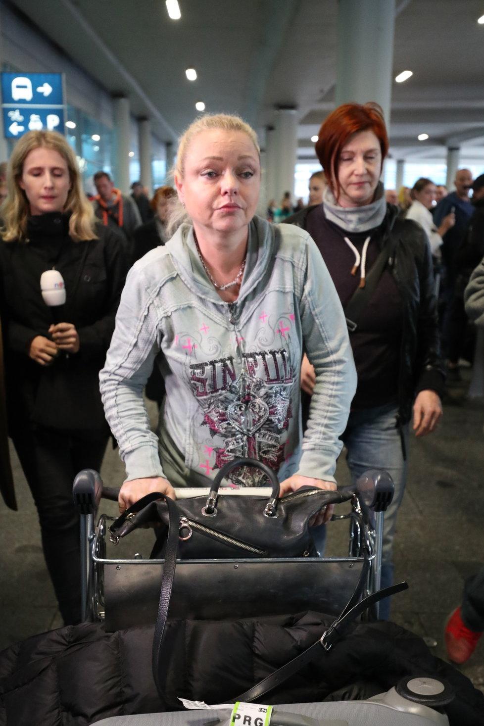 Dominika Gottová přiletěla do Prahy!