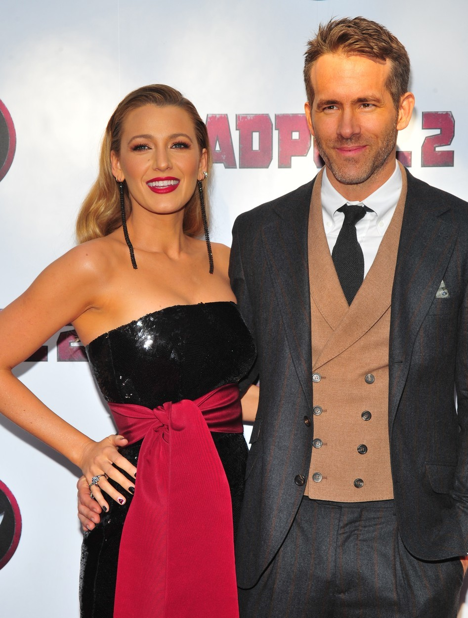 Ryan Reynolds se se svou osudovou ženou Blake Lively seznámil při natáčení filmu Green Lantern v roce 2011. O rok později se vzali a dnes spolu mají tři děti.