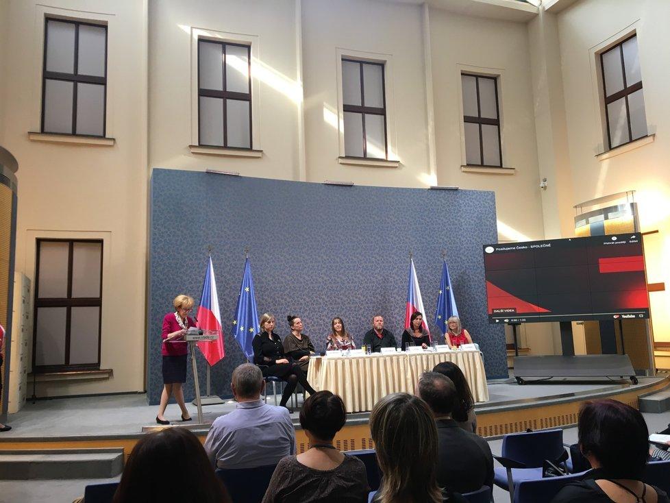 Poslankyně Válková pozvala zástupce neziskovek na Úřad vlády 17. 10. 2019