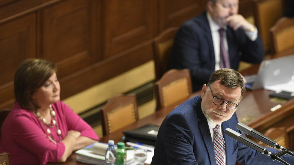 Alena Schillerová se během ostudného pátku plného průtahů dočkala projednání daňového balíčku až na poslední chvíli. (18. 10. 2019)