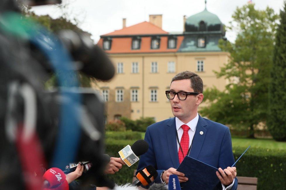 Jiří Ovčáček (mluvčí prezidentské kanceláře) na tiskové konferenci
