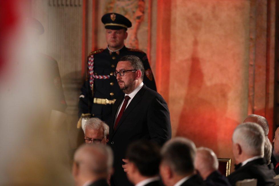 Prezident Miloš Zeman udělil medaili Za zásluhy Michalu Lukešovi (28. 10. 2019)