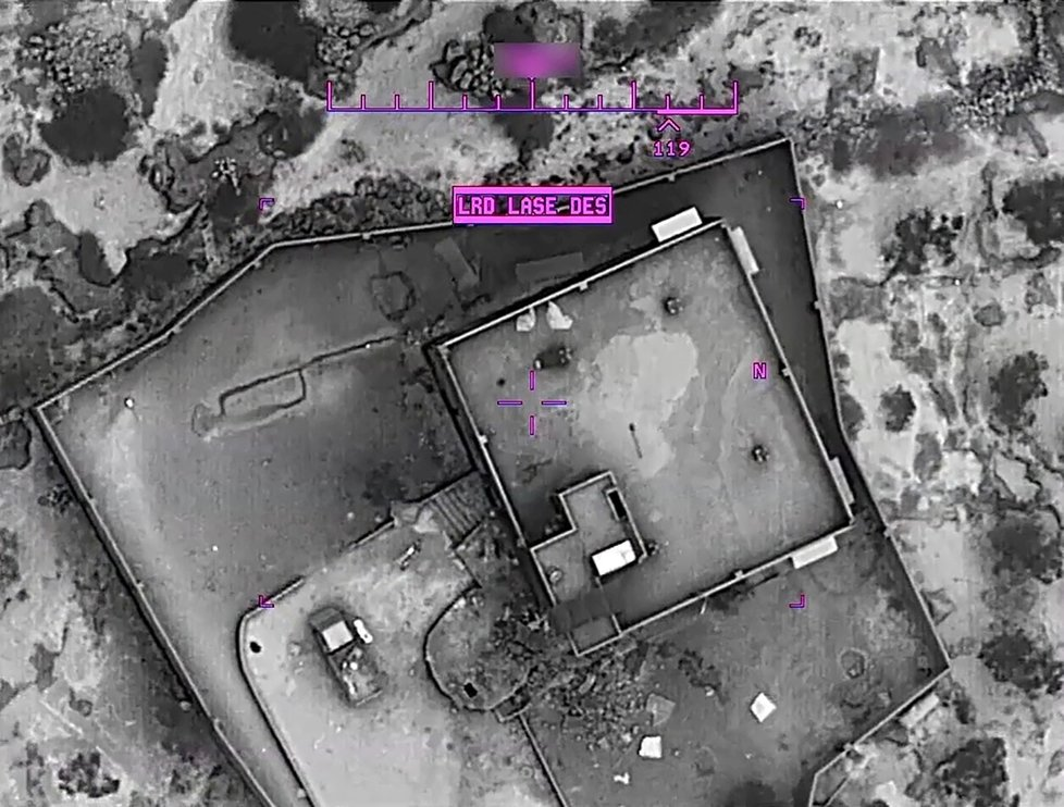 Pentagon ve středu zveřejnil první záběry z víkendového zásahu proti vůdci takzvaného Islámského státu (IS) abú Bakrovi Bagdádímu na severozápadě Sýrie.