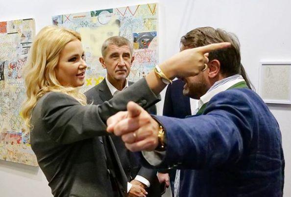 Andrej Babiš (ANO, uprostřed) s manželkou Monikou a lucemburský premiér Xavier Bettel