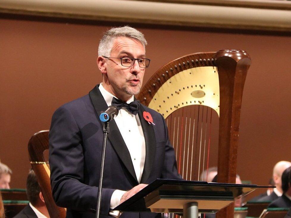Ministr obrany Lubomír Metnar na koncertě pro připomínku Dnu veteránů