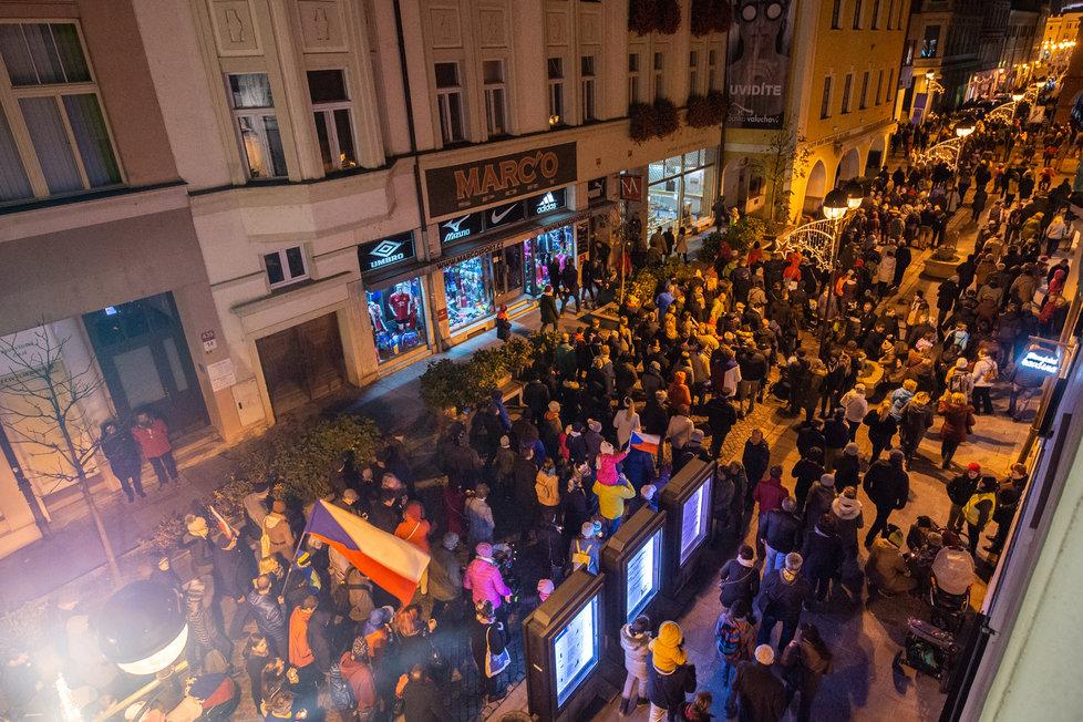 Pietní akce k 17. listopadu v Českých Budějovicích.