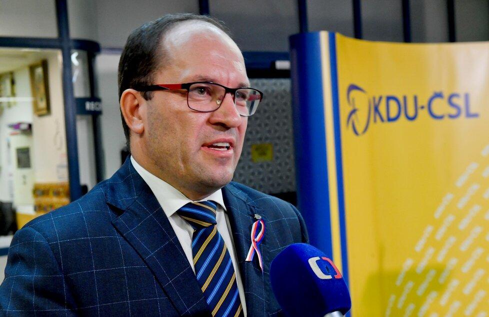Výborný skončí v čele KDU-ČSL k mimořádnému sjezdu v lednu (19. 11. 2019)