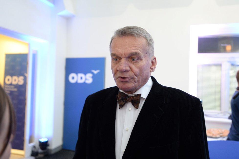Bohuslav Svoboda platil v roce 2011 čtyřem poradcům 311 108 korun měsíčně.