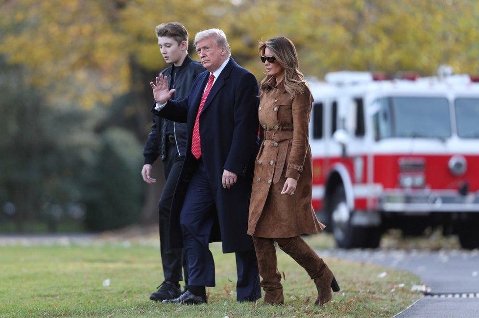 Trumpovi odjeli na Díkuvzdání na dovolenou