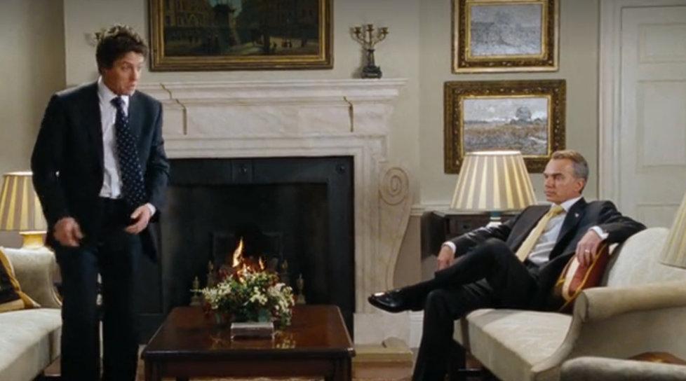 Chyby ve filmu Láska nebeská: Polštář u prezidenta USA