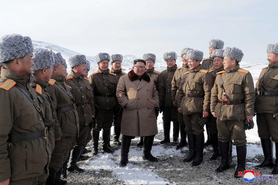 Severokorejský diktátor Kim Čong-un prý hledá zrádce v nejužším kruhu poradců.