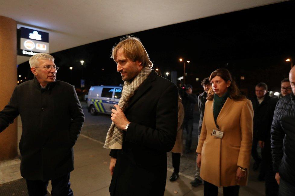 Na místo tragédie dorazil i ministr zdravotnictví Adam Vojtěch.