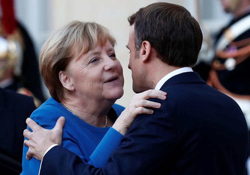 Angela Merkelová na summitu ke krizi na Ukrajině s Emmanuelem Macronem (10. 12. 2019)