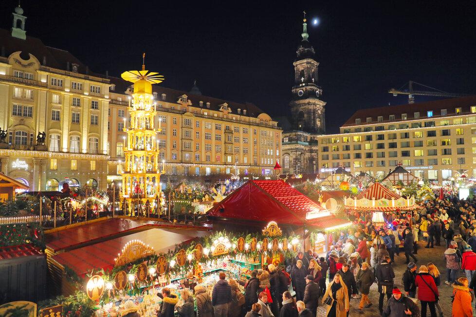 Trhy v Drážďanech z ptačí perspektivy. Jsou krásné a přilákají každý rok na 100 tisíc Čechů.