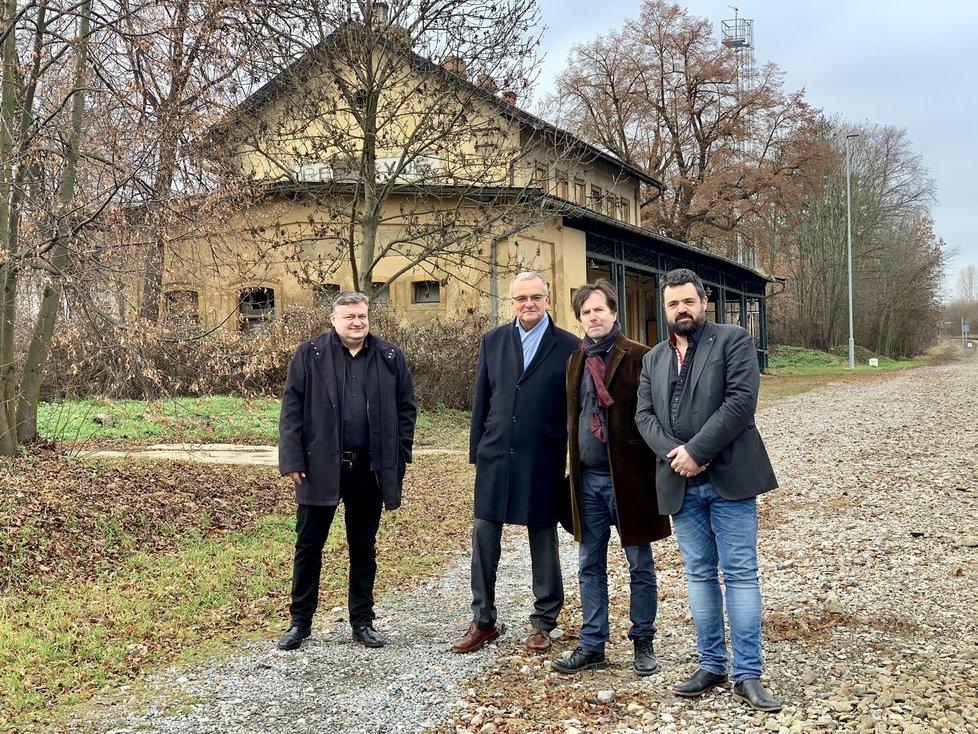 Miroslav Kalousek (TOP 09) vyrazil za starostou Pavlem Novotným (ODS). V pátek 13. se oba kontroverzní politici potkali přímo na úřadu v pražských Řeporyjích (13. 12. 2019)