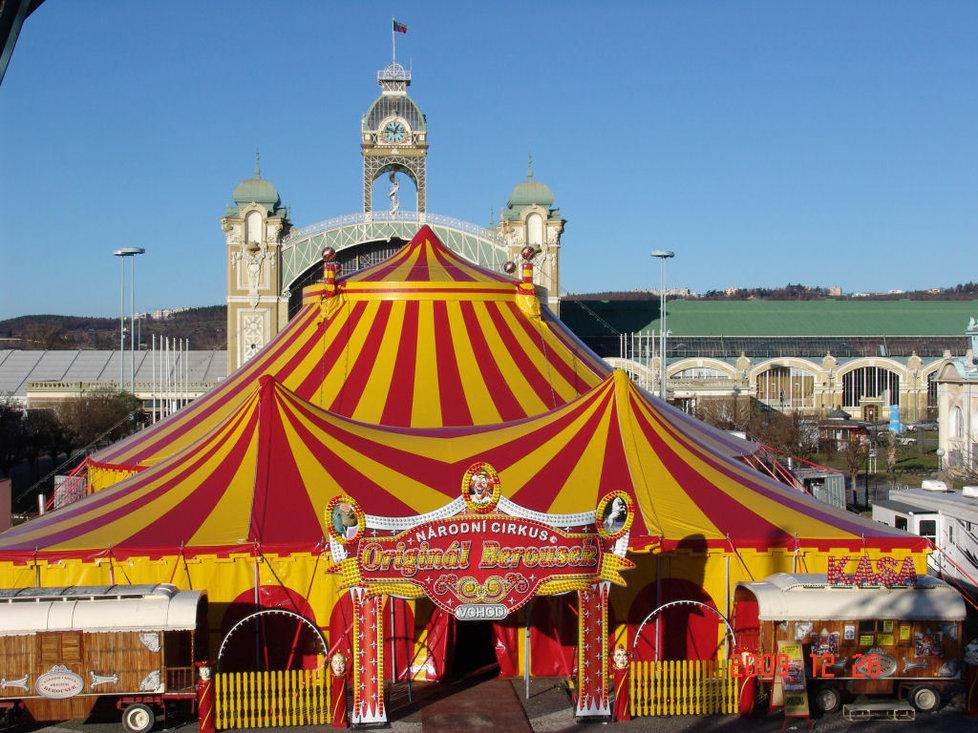 Cirkus Berousek po 101 letech končí s kočováním.