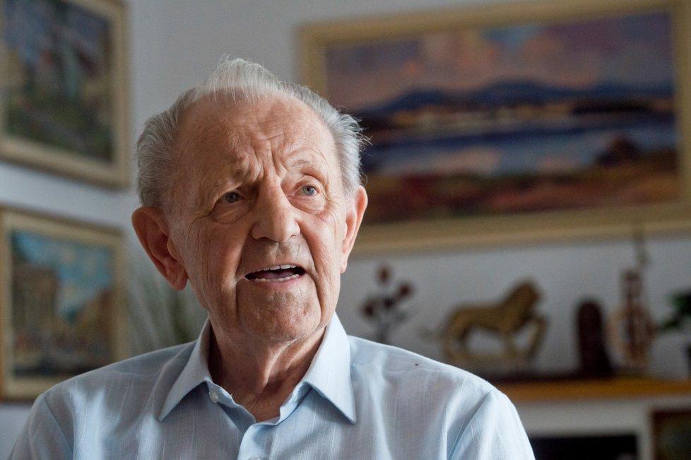 Někdejší nejmocnější muž Československa, Milouš Jakeš (97)