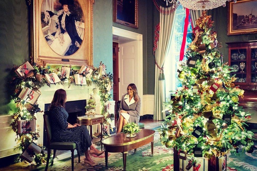 Melania Trump ukázala, jak se slaví Vánoce v Bílém domě