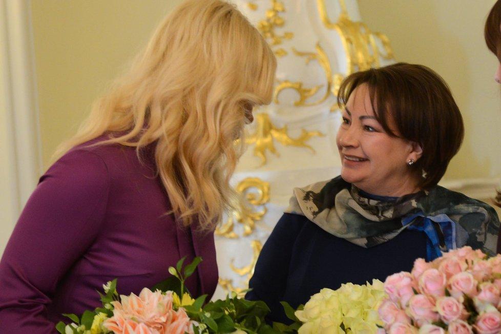 První dáma Ivana Zemanová s manželkou premiéra Andreje Babiše Monikou