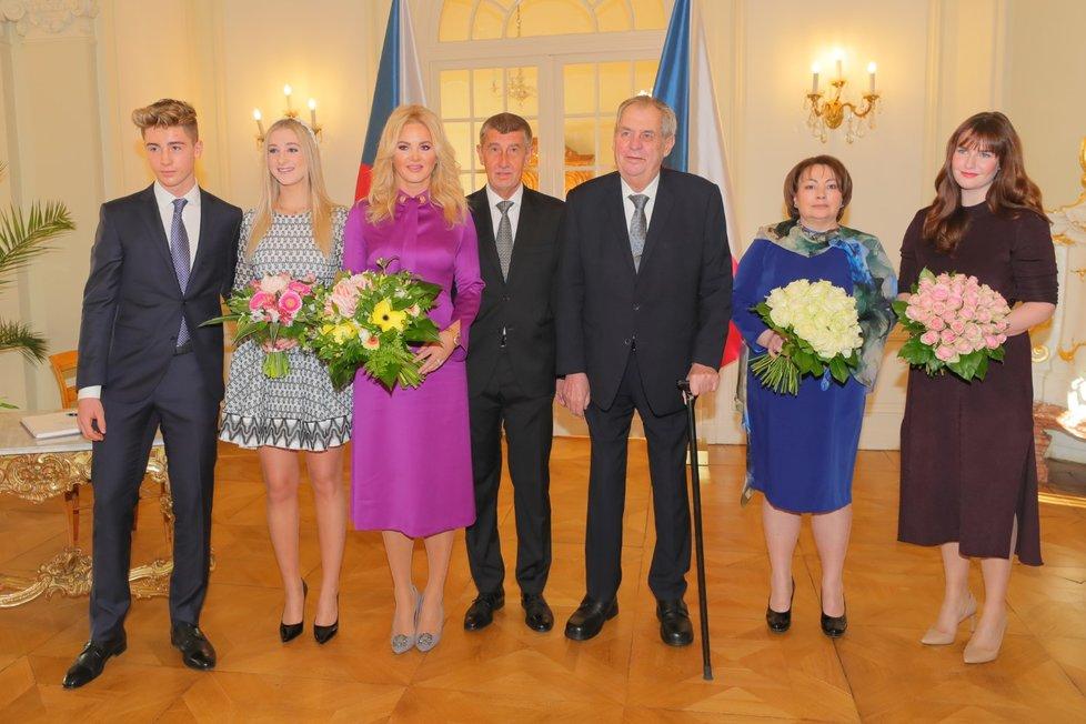 Novoroční oběd prezidenta Miloše Zemana s manželkou Ivanou a dcerou Kateřinou a premiéra Andreje Babiše s manželkou Monikou, dcerou Vivien a synem Frederikem 5. ledna 2020 na zámku v Lánech