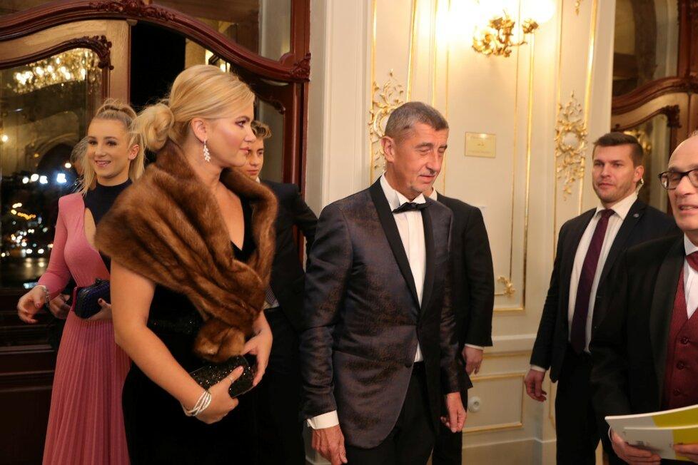 Premiér Andrej Babiš dorazil s celou rodinou.