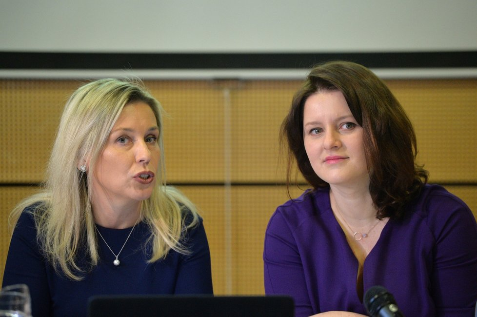 Ministryně práce a sociálních věcí Jana Maláčová (ČSSD) a předsedkyně Danuše Nerudová na jednání Komise pro spravedlivé důchody (10. 1. 2020)