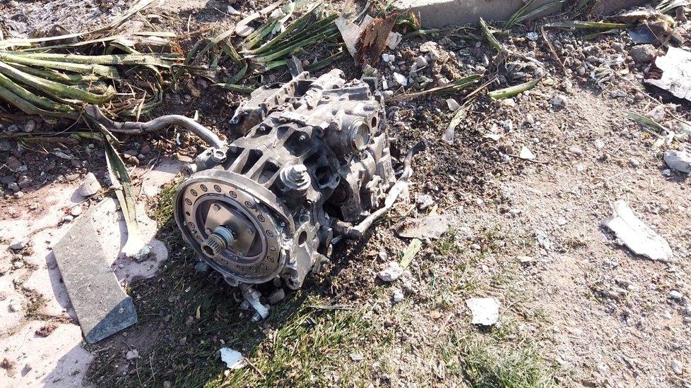 Trosky ukrajinského letadla, kam dorazili vyšetřovatelé nehody (11.1.2020)