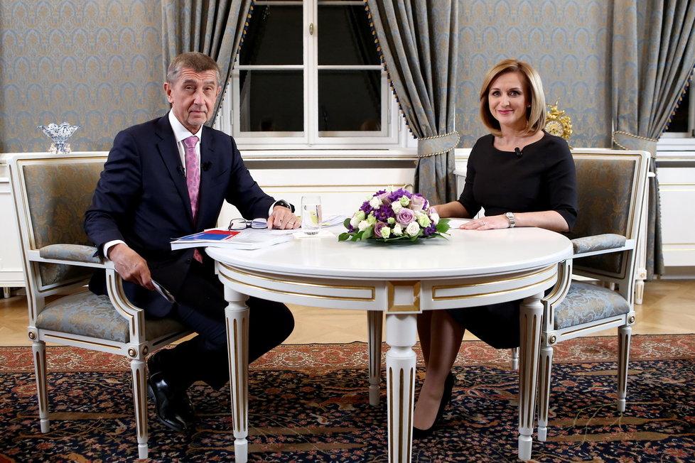 Premiér Andrej Babiš (ANO) s moderátorkou TV Prima Terezií Tománkovou v pořadu Partie (12.1.2020)