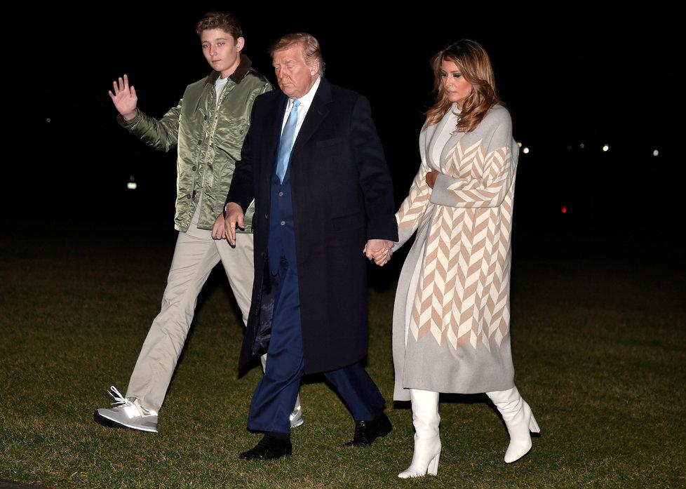 Prezident USA Donald Trump společně s manželkou Melanií a synem Barronem.