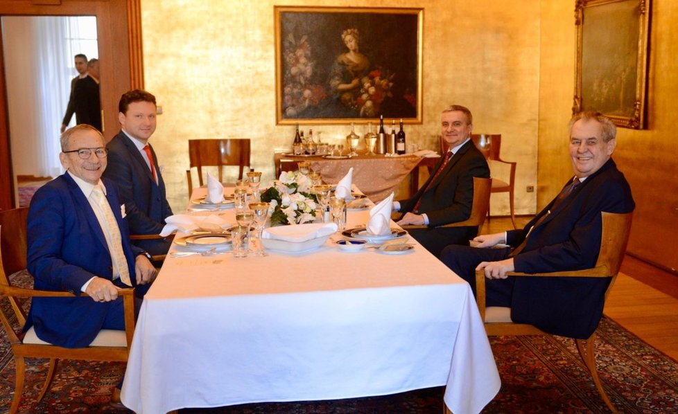 Prezident Miloš Zeman spolu s kancléřem Vratislavem Mynářem na Pražském hradě přijali šéfa Senátu Jaroslava Kuberu (ODS) a předsedu Sněmovny Radka Vondráčka (ANO; 14. 1. 2020)