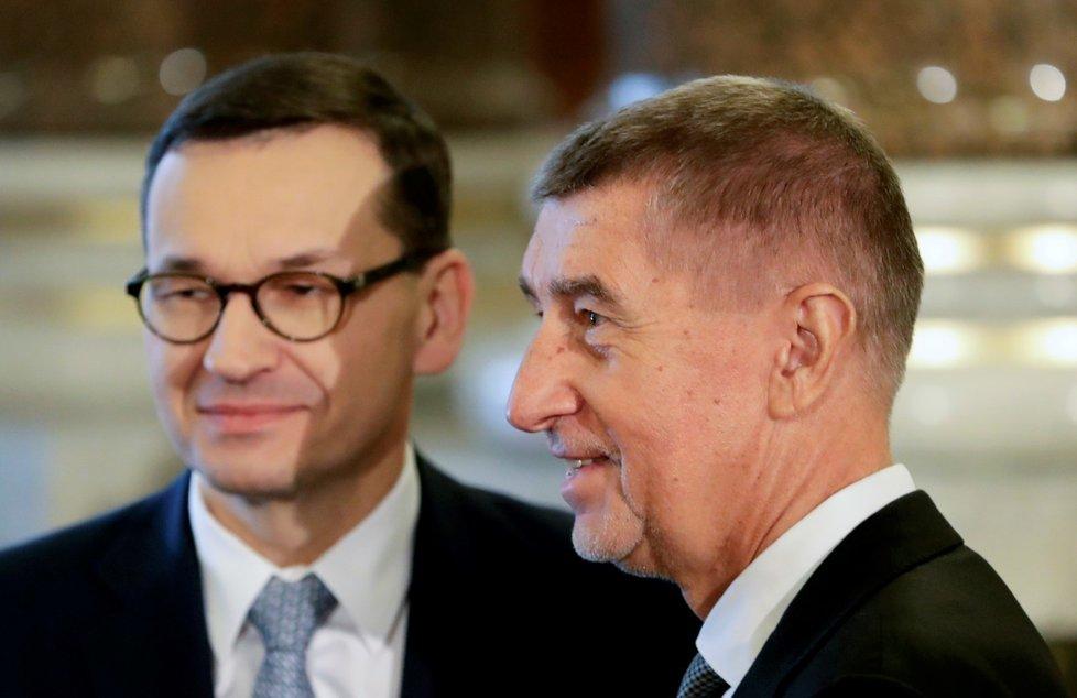 Český premiér Andrej Babiš a polský premiér Mateusz Morawiecki během summitu zemí Visegrádské skupiny (V4) a Rakouska v Národním muzeu v Praze. (16. 1. 2020)