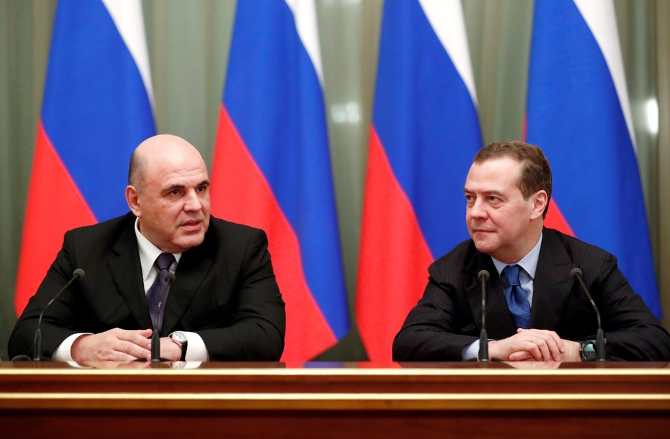 Expremiér a bývalá hlava Ruské federace Dmitrij Medveděv a nový ruský premiér Michail Mišustin