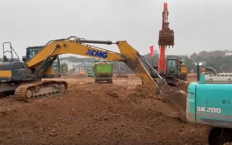 Čína staví ve městě Wu-chan novou nemocnici pro 1000 pacientů