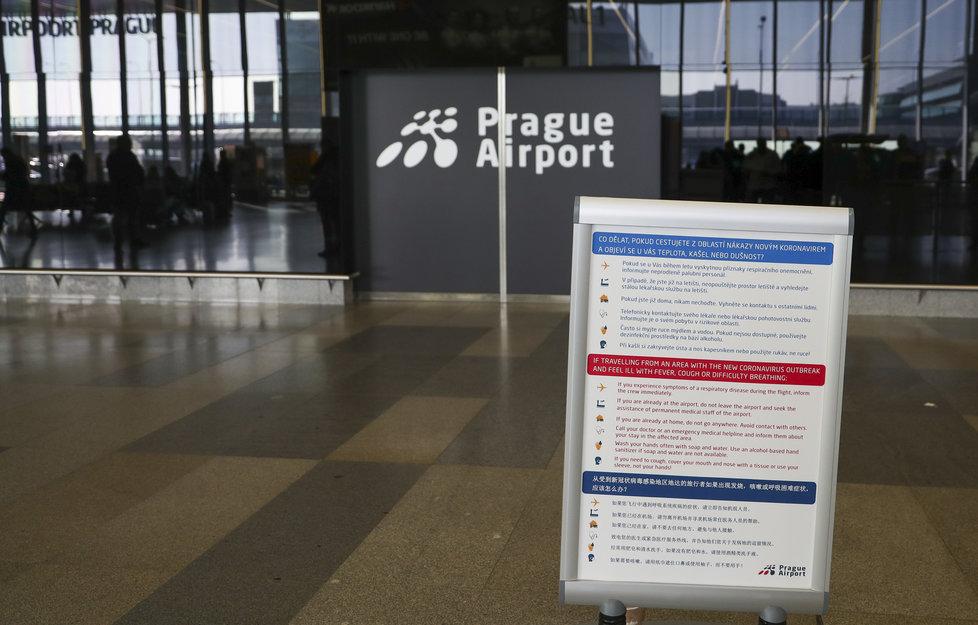 Letiště Václava Havla přijalo dílčí opatření kvůli koronaviru, o lékařskou službu na něm následně stoupl zájem  (27. 1. 2020).